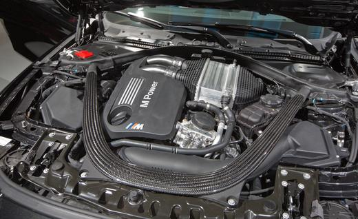 2015-bmw-m4-coupe-twin-turbocharged-30-liter-inline-6-engine-photo-564621-s-520x318.jpg